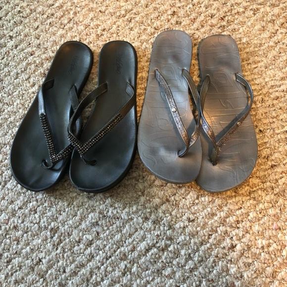Mad Love Shoes - Mossimo/MadLove 8 black and gray flip flop bundle